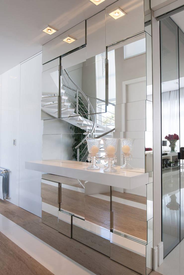 Residência: Salas de estar  por Andreia Benini Arquiteta,Moderno