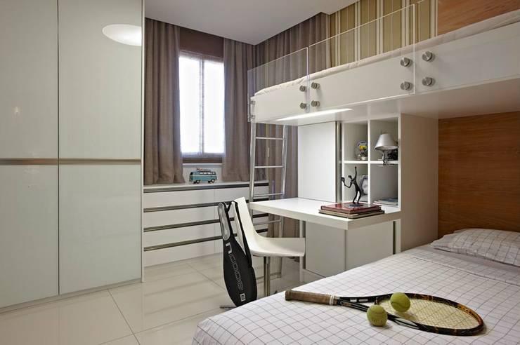 Apartamento Ninho: Quartos  por Coutinho+Vilela