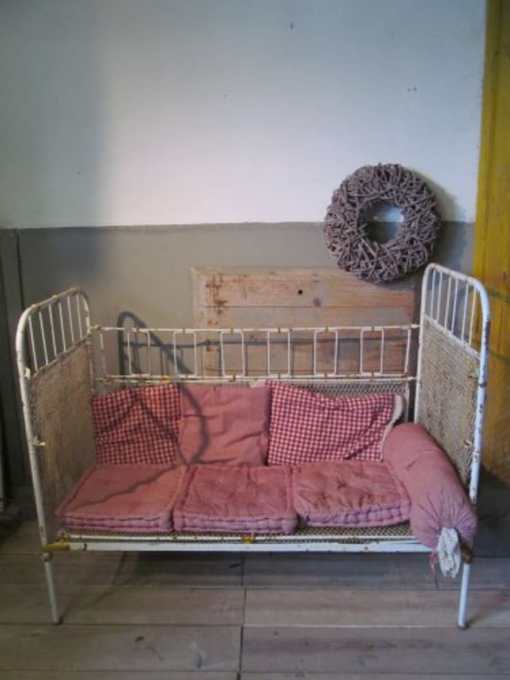 Oude brocante bedden:   door Were Home, Rustiek & Brocante