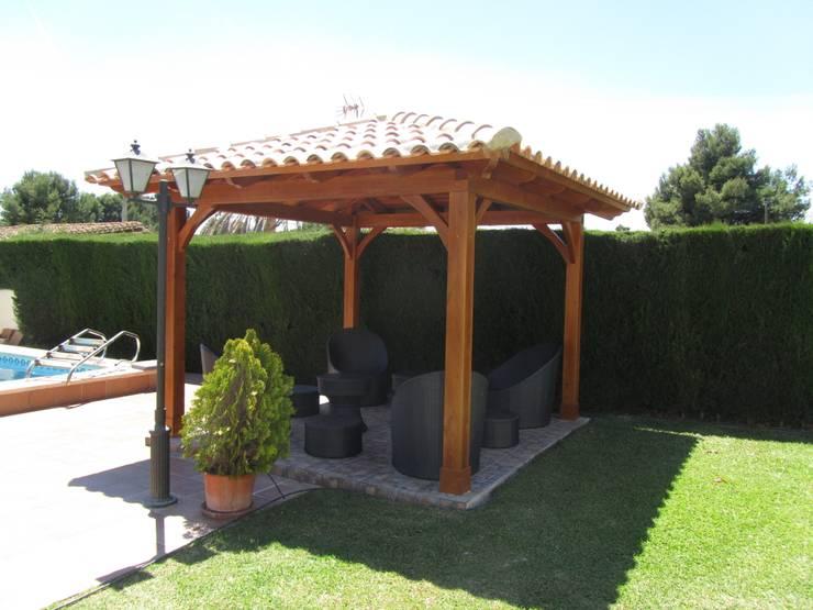 庭院 by Ático y Jardín