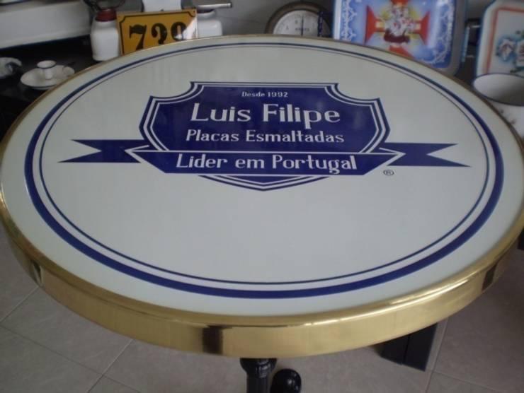 Tampo de mesa esmaltado : Varanda, marquise e terraço  por LUIS FILIPE TATO - PLACAS ESMALTADAS UNIPESSOAL LDA