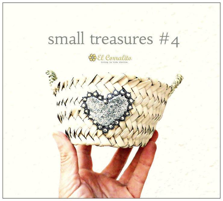 SMALL TREASURES SILVER: Hogar de estilo  de El Corralito de TARIFA RAK