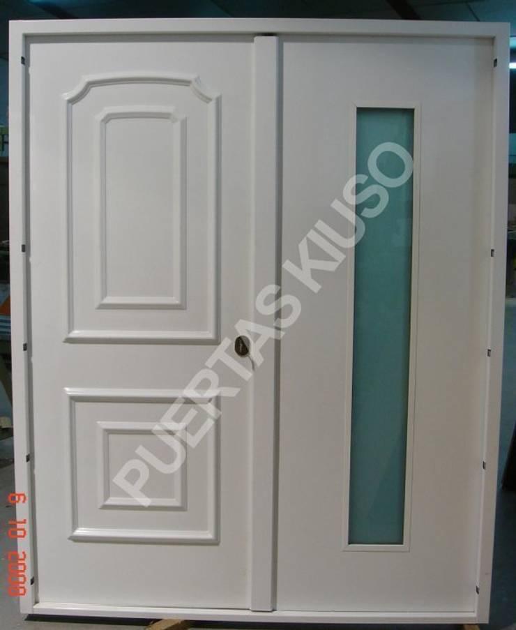 CRISTAL HOJA 2: Puertas y ventanas de estilo  de PUERTAS KIUSO