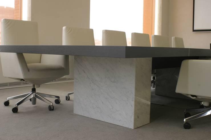 REFORMA PLANTA OFICINAS. EDIFICIO BANKINTER. MADRID. 2014 En colaboración con RAFAEL MONEO: Sala multimedia de estilo  de Bescos-Nicoletti Arquitectos