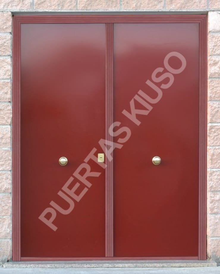 DOBLE2: Puertas y ventanas de estilo  de PUERTAS KIUSO