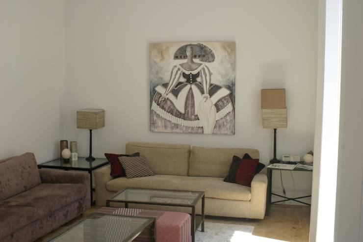 REFORMA APARTAMENTO. C/LAGASCA. MADRID. 2012: Salones de estilo  de Bescos-Nicoletti Arquitectos