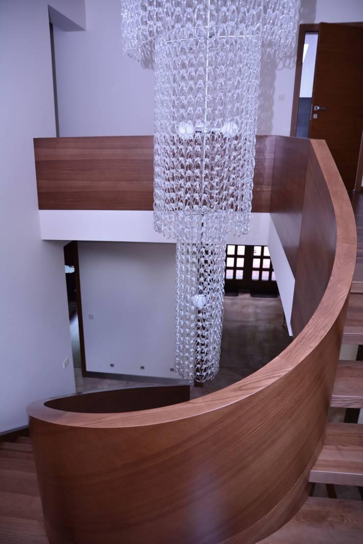 Rezydencja z basenem nad Zalewem Szczecińskim: styl , w kategorii Basen zaprojektowany przez Architektura Wnętrz Daria Zaremba,