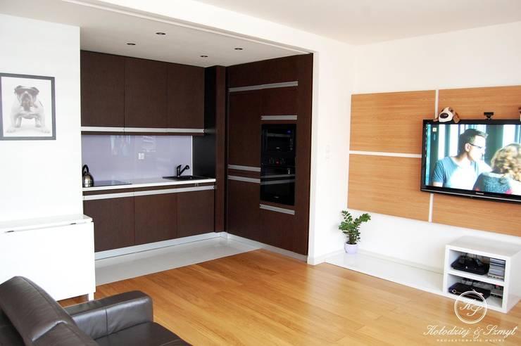 MARKI: styl , w kategorii Kuchnia zaprojektowany przez Kołodziej & Szmyt Projektowanie wnętrz