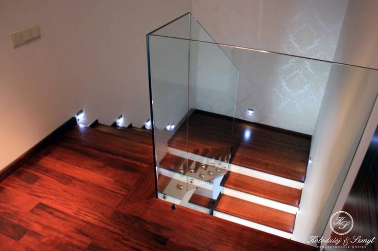 HABAN: styl , w kategorii Korytarz, przedpokój zaprojektowany przez Kołodziej & Szmyt Projektowanie wnętrz