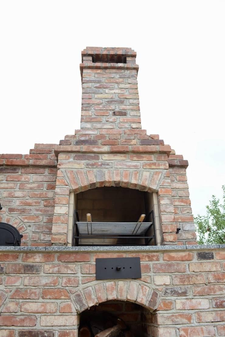 Grill murowany: styl , w kategorii Kuchnia zaprojektowany przez Kuchnia w Ogrodzie