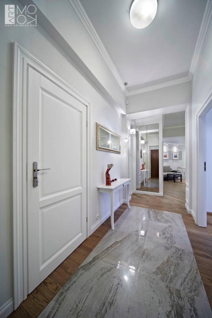 Elegancki korytarz: styl , w kategorii Korytarz, przedpokój zaprojektowany przez Pracownia projektowa artMOKO