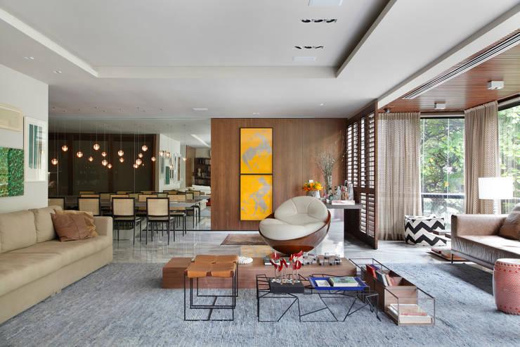 Apartamento WSS: Sala de jantar  por Yamagata Arquitetura