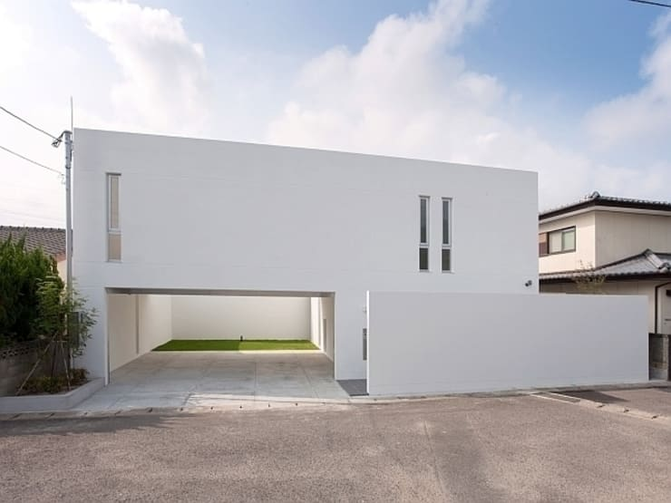 コートハウス: 中島健アトリエ 一級建築士事務所が手掛けた家です。,モダン