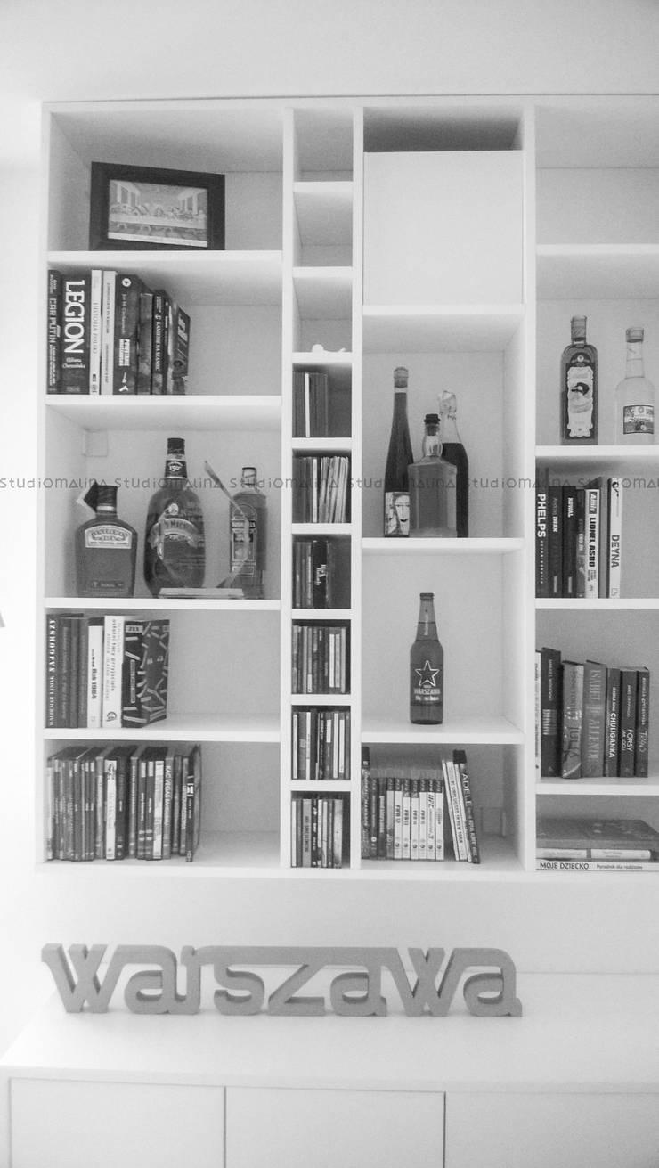 skandynawska biblioteka   scandinavian bookshelf: styl , w kategorii Salon zaprojektowany przez Studio Malina