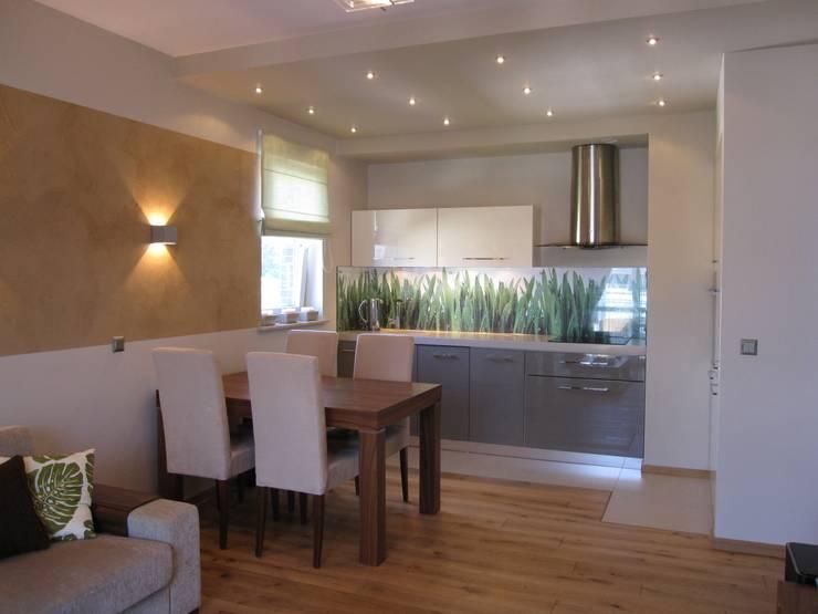 Mieszkanie 01: styl , w kategorii Jadalnia zaprojektowany przez ARTEFEKT