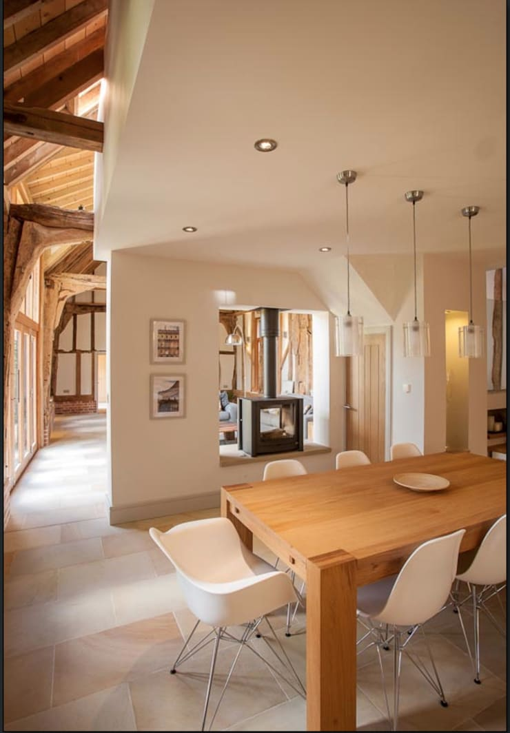 Fireplace Country style dining room by Beech Architects Country
