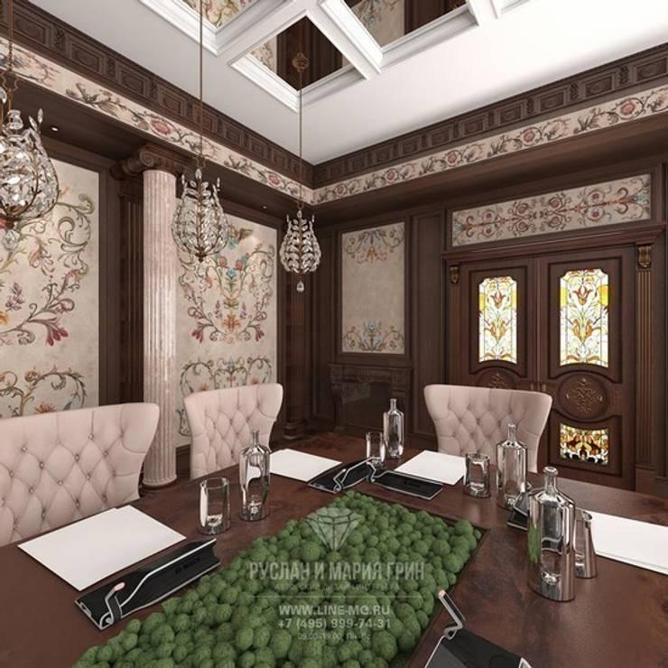 Дизайн конференц-зала в загородном доме: Конференц-центры в . Автор – Студия дизайна интерьера Руслана и Марии Грин, Колониальный