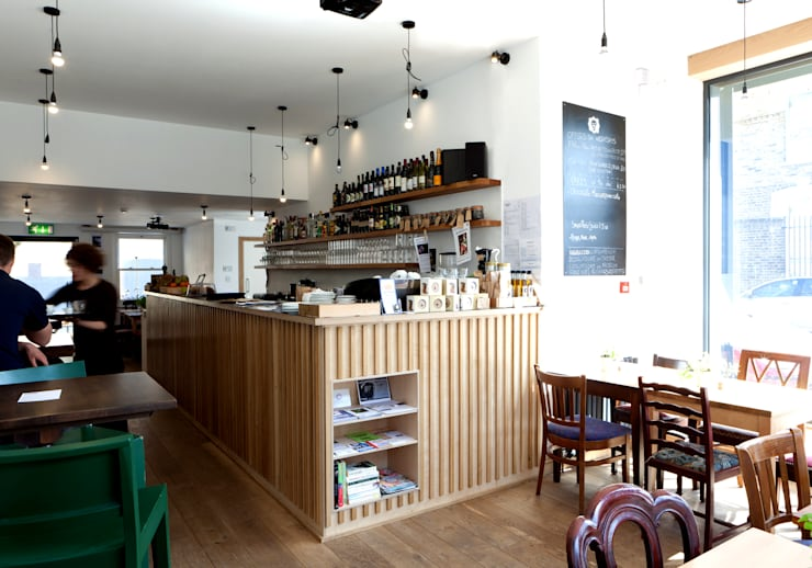 Nhà hàng by Twist In Architecture
