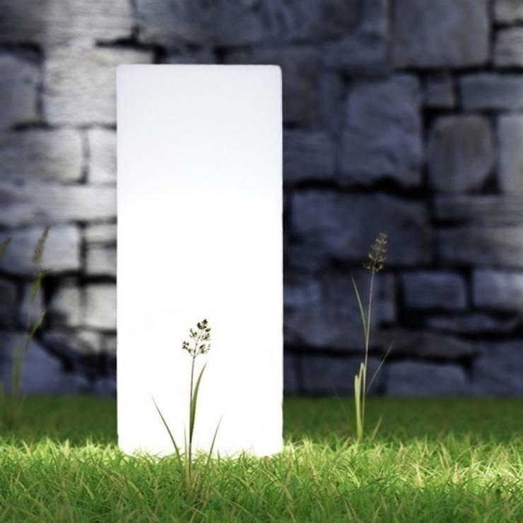 Luminaires Jardins: Jardin de style de style Minimaliste par Plantes et Design