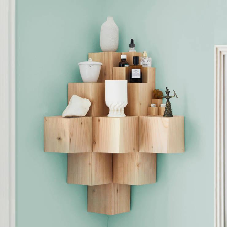 ÉTAGÈRE A FEW OF - FUNDAMENTAL: Salon de style de style Scandinave par Flash Design Store