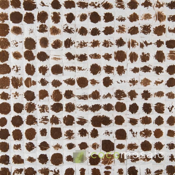 Cocomosaic | White Polkadot:  Muren & vloeren door Nature at home | Cocomosaic | Wood4Walls