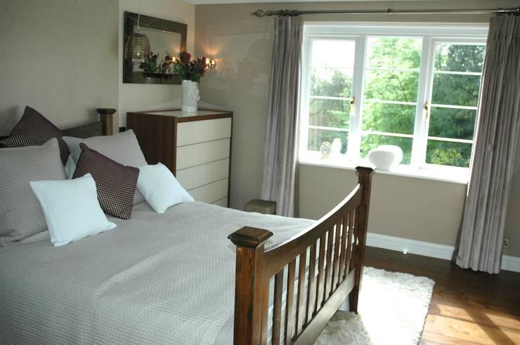 Bedroom by Maggie Walton-Swan Interior Design Ltd