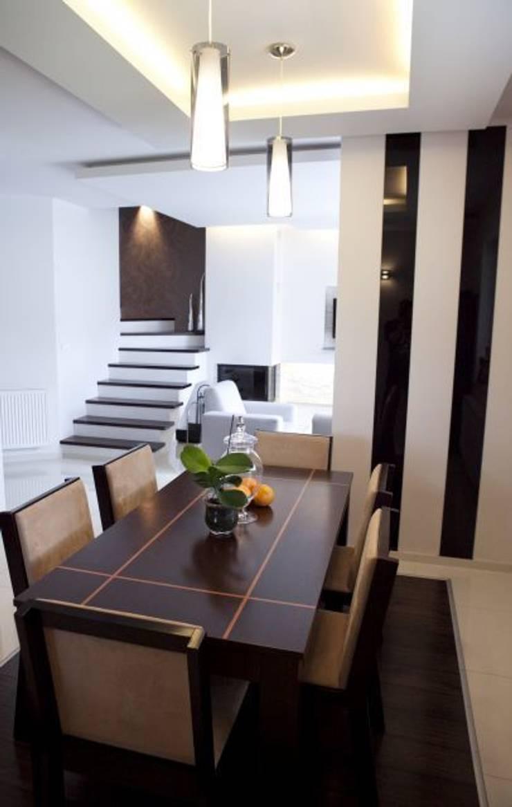 Dom I: styl , w kategorii Jadalnia zaprojektowany przez Arkadiusz Grzędzicki projektowanie wnętrz