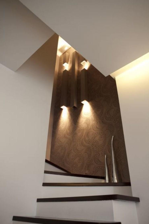 Dom I: styl , w kategorii Korytarz, przedpokój zaprojektowany przez Arkadiusz Grzędzicki projektowanie wnętrz