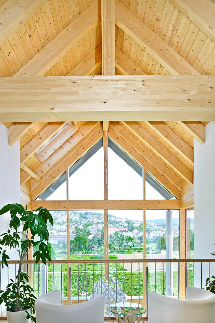 Wohnhaus W. in Nüdlingen: landhausstil Wintergarten von Achtergarde + Welzel Architektur + Interior Design