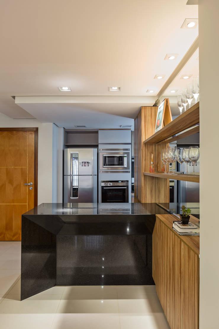 Apartamento TJ: Cozinha  por BEP Arquitetos Associados,