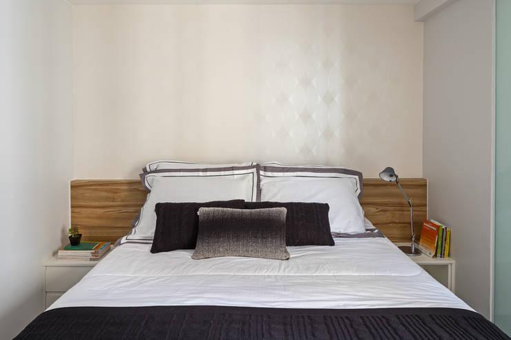 Apartamento TJ: Quarto  por BEP Arquitetos Associados,