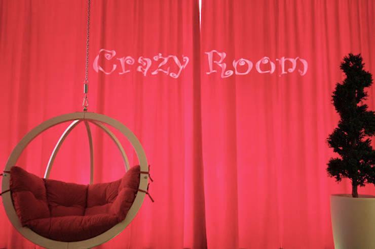 Crazy Room: styl , w kategorii Okna i drzwi zaprojektowany przez Arkadiusz Grzędzicki projektowanie wnętrz