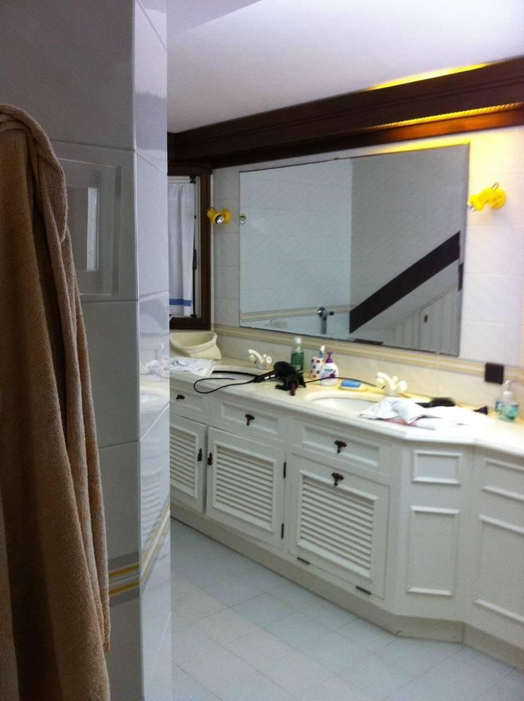 Antes - Quarto de banho:   por GAAPE - ARQUITECTURA, PLANEAMENTO E ENGENHARIA, LDA