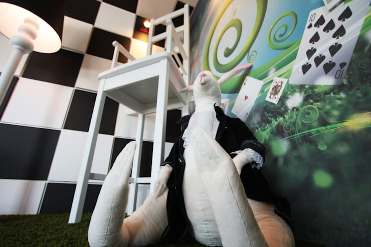 Crazy Room: styl , w kategorii Biurowce zaprojektowany przez Arkadiusz Grzędzicki projektowanie wnętrz