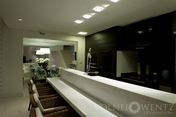 A15 Residência: Cozinha  por Canisio Beeck Arquiteto