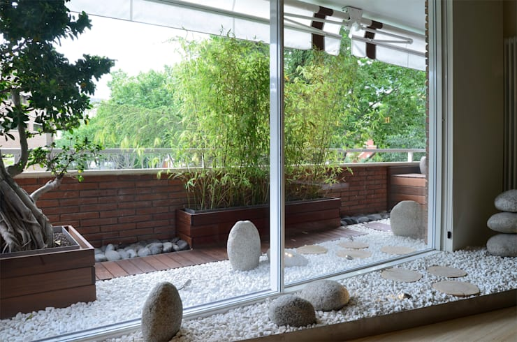 Japón en BCN - La terraza; creación de un jardín japones: Terrazas de estilo  de Daifuku Designs