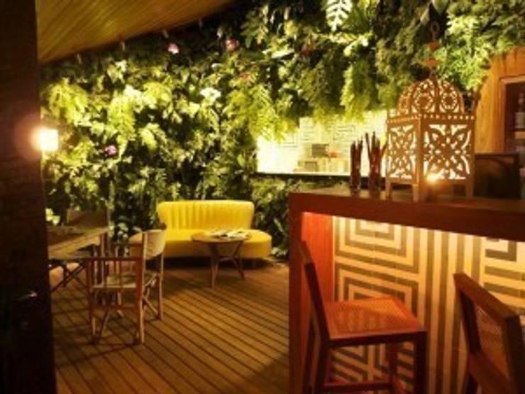Projetos Diversos: Hotéis  por Quadro Vivo Urban Garden Roof & Vertical,Moderno