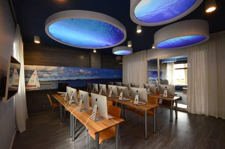 Morskie Opowieści: styl , w kategorii Szkoły zaprojektowany przez Arkadiusz Grzędzicki projektowanie wnętrz