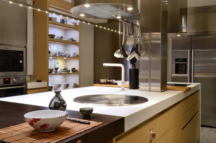 Japón en BCN - Detalle de la cocina: Cocinas de estilo  de Daifuku Designs