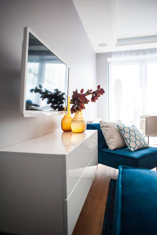 Francuska Kamienica: styl , w kategorii Salon zaprojektowany przez Arkadiusz Grzędzicki projektowanie wnętrz
