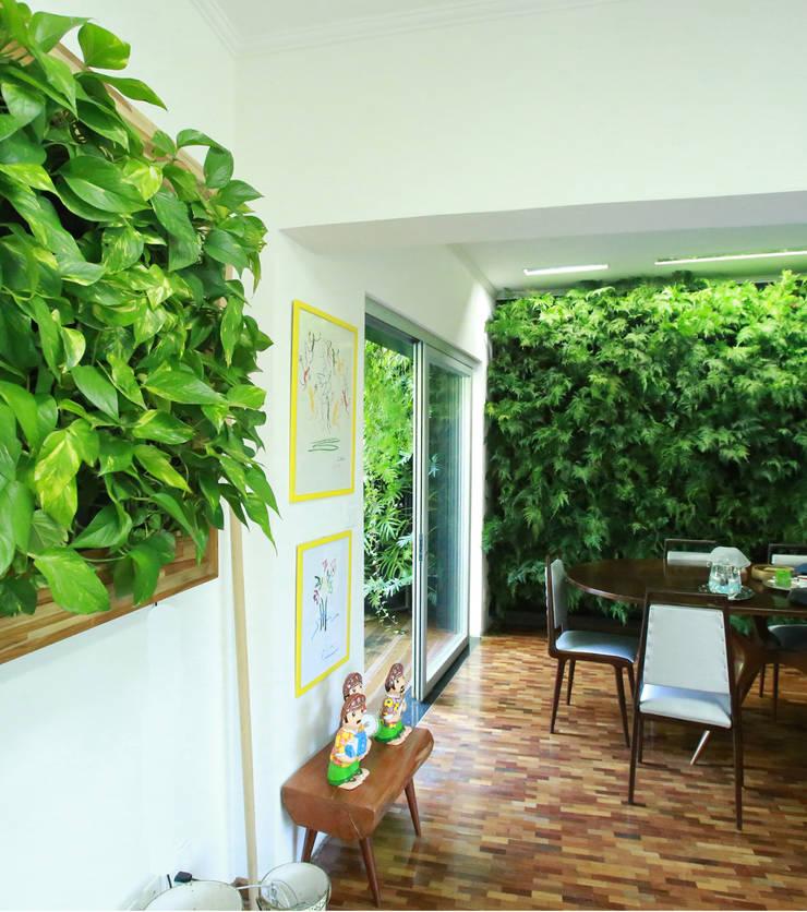 Projetos Diversos: Lojas e imóveis comerciais  por Quadro Vivo Urban Garden Roof & Vertical