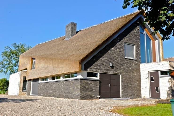 Woonhuis te Aarlanderveen:  Huizen door SEP  Blauwdruk architecten
