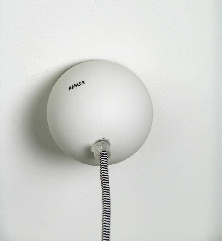 Detail Saturn ceiling lamp:   door Rebob, Scandinavisch