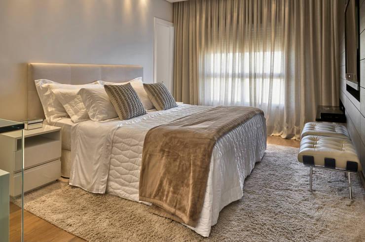 غرفة نوم تنفيذ Fernanda Sperb Arquitetura e interiores