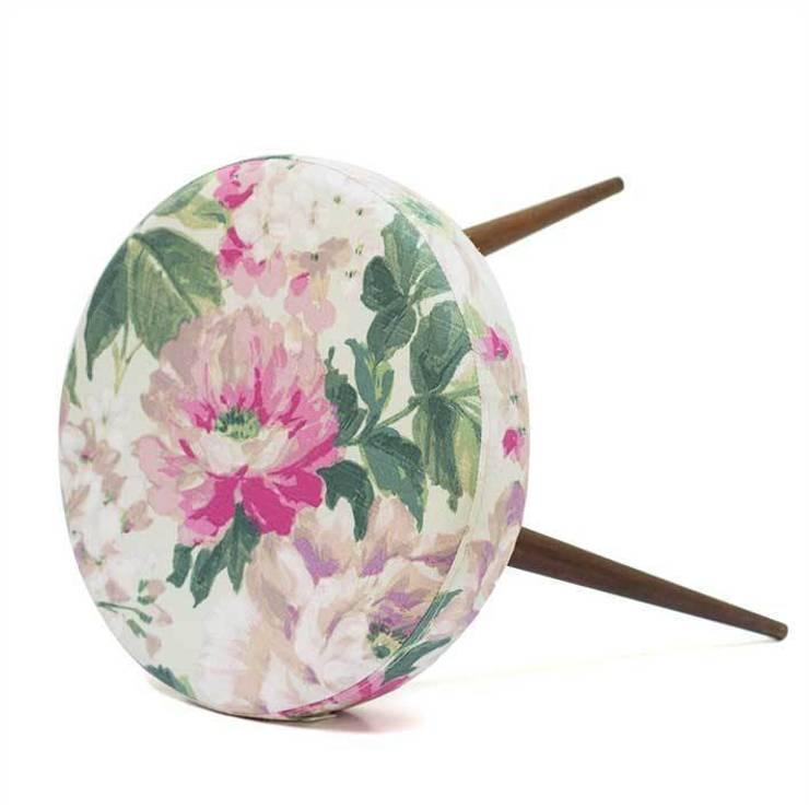 http://www.pakamera.pl/meble-stolek-zielony-kwiat-nr1251357.htm: styl , w kategorii Salon zaprojektowany przez Magiel
