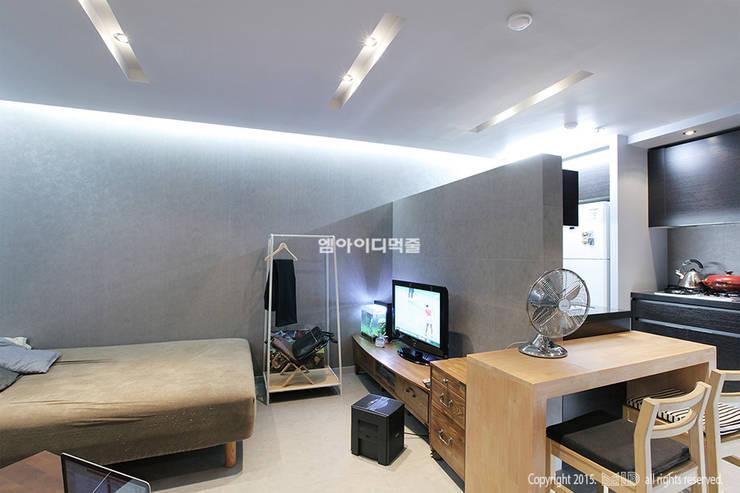 Habitaciones de estilo moderno por MID 먹줄