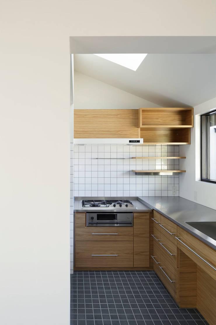 キッチン: 山田伸彦建築設計事務所が手掛けたキッチンです。