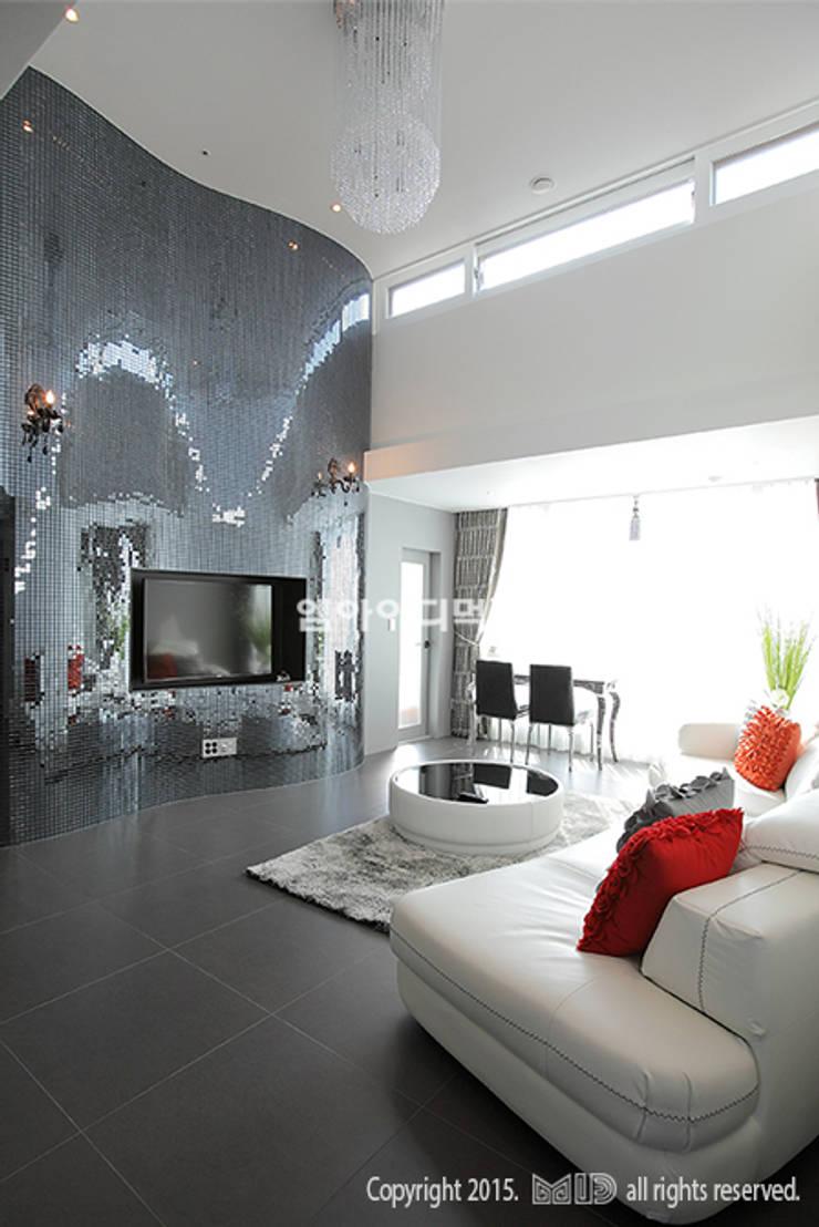 중랑구 신내동 데시앙아파트 32평형: MID 먹줄의  거실