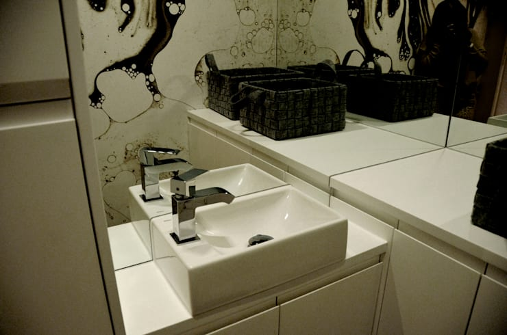 WC: styl , w kategorii Łazienka zaprojektowany przez CAROLINE'S DESIGN