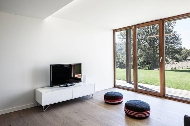 Projekty,  Salon zaprojektowane przez Pavillonchamps Atelier d'Architecture
